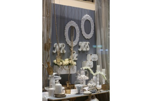 Χειμωνιάτικος γάμος σε αποχρώσεις γκρι-λευκού-καφέ