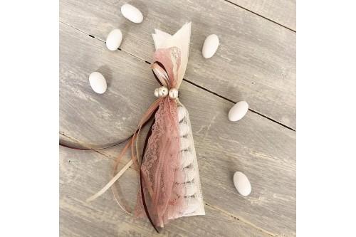 Μπομπονιέρα με κορδέλα και πέρλες