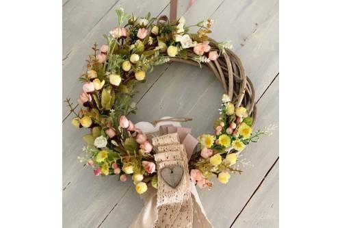 Στεφάνι ανοιξιάτικο με λουλούδια